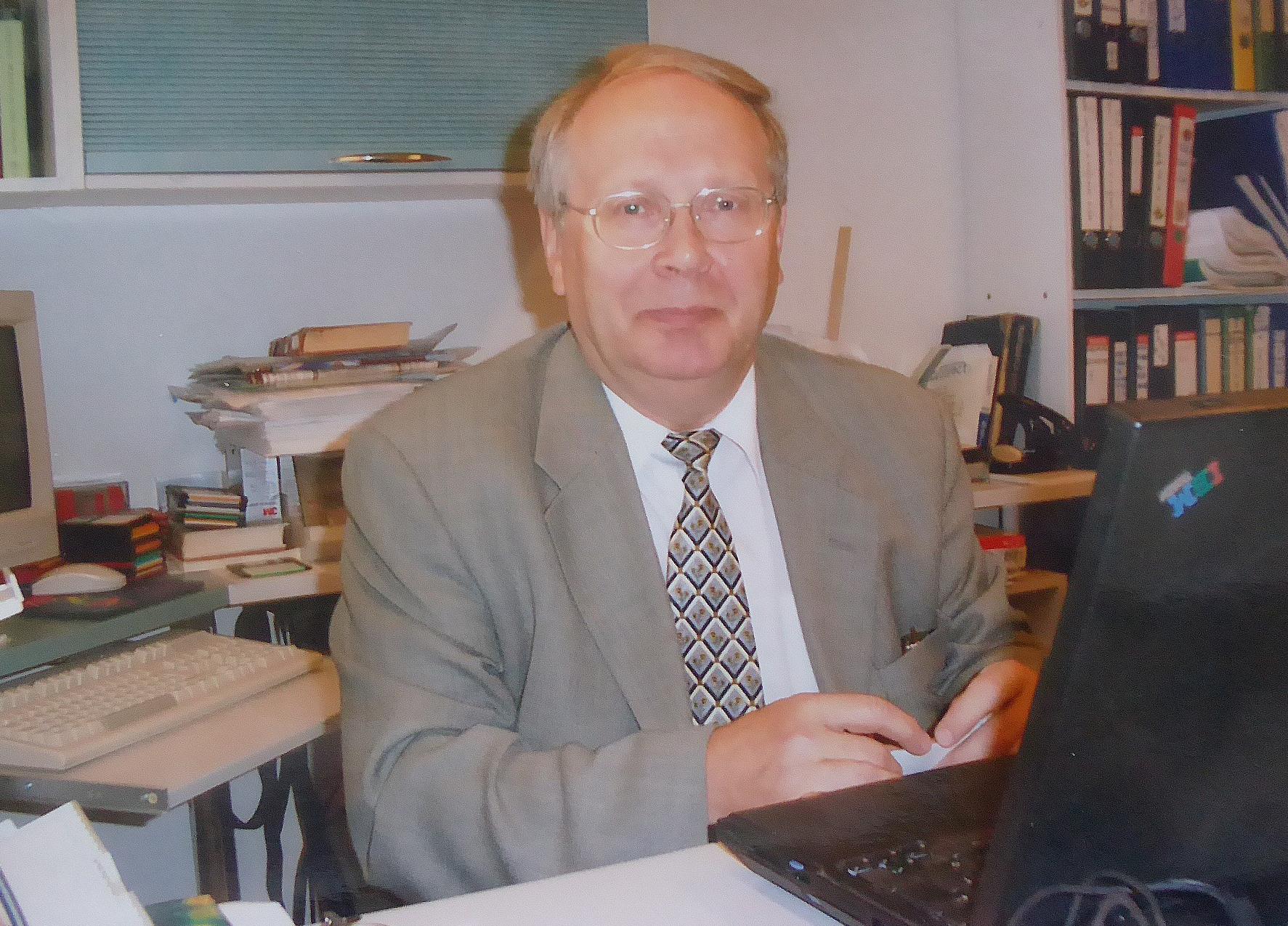 Prof Aavo-Valdur Mikelsaar